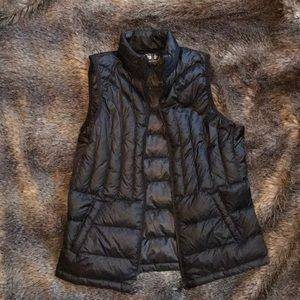 Down puff vest. Black.
